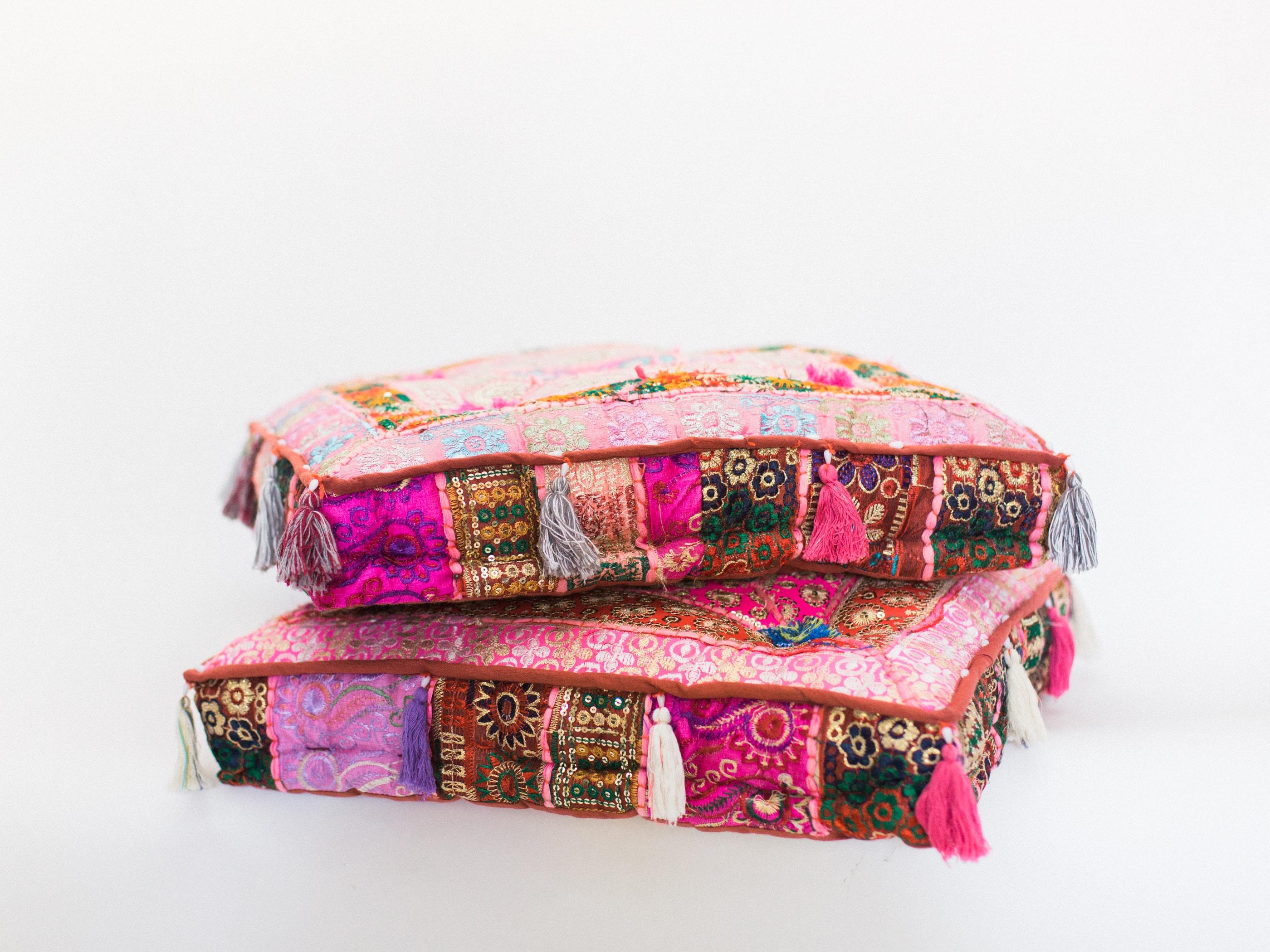 pink pouf