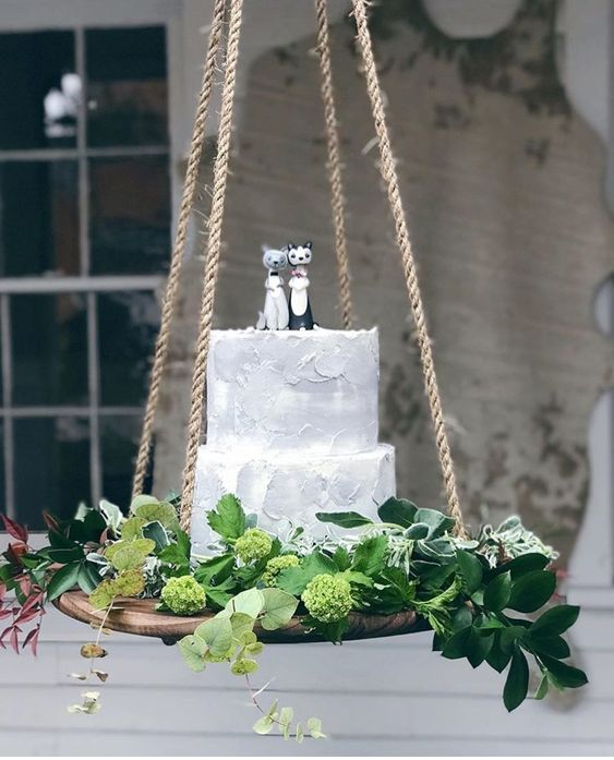 hanging cake table