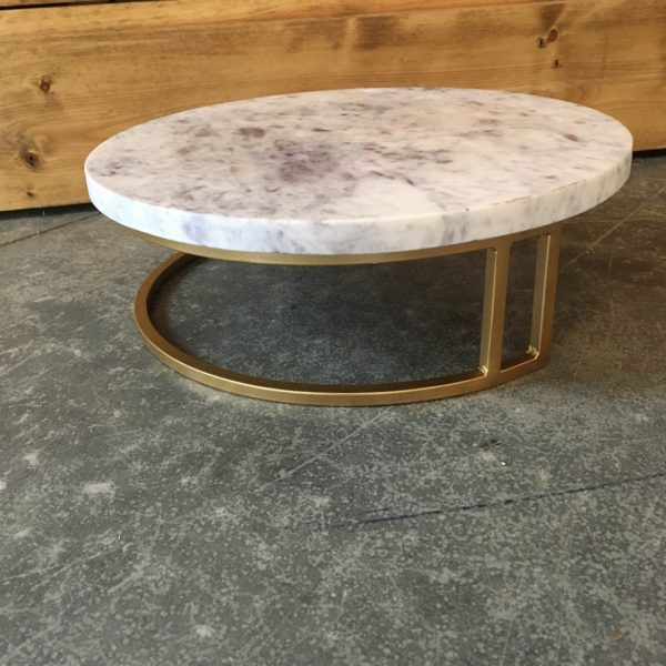 marble cakestand