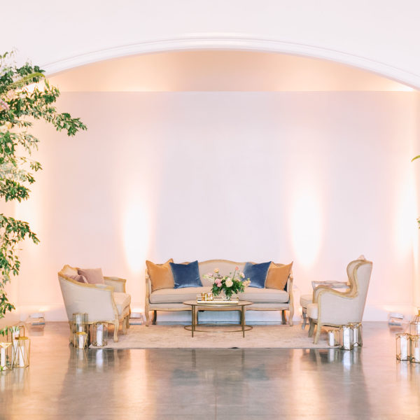 linen lounge